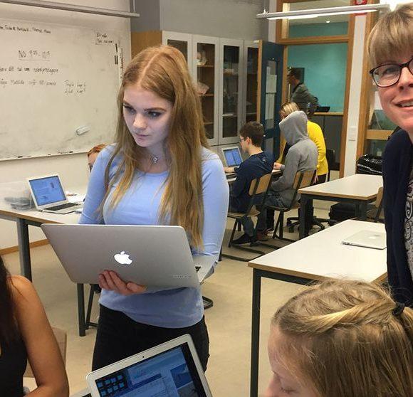 SVT Nyheter: Assistenter ska avlasta lärare i skolan